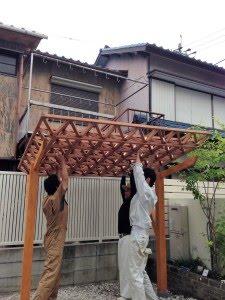 テント生地は、木製屋根にピッタリ!