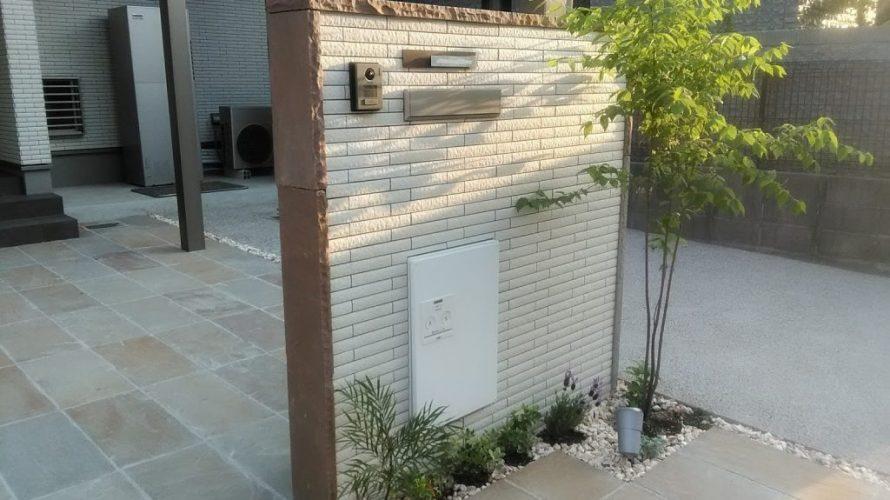 これからの宅配BOXは、玄関の一部に!